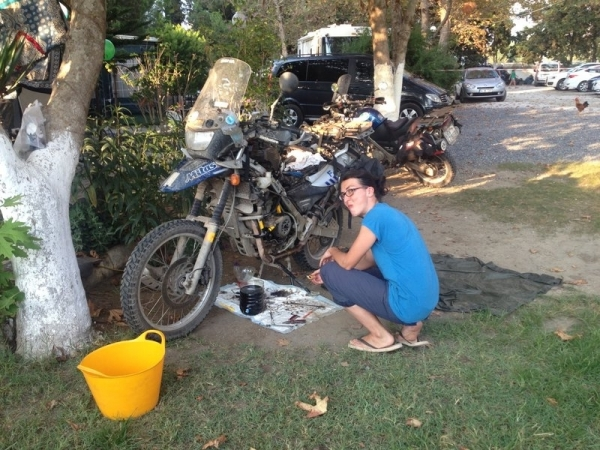 Turkey_Motorbike_repair_Anne