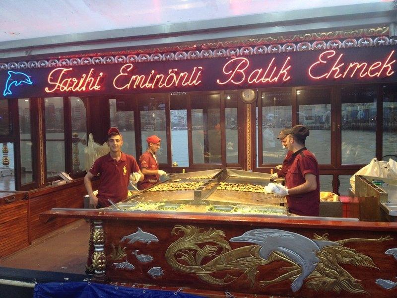Turkey_Istanbul_Boat_Fish
